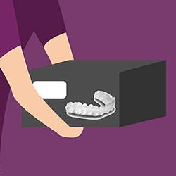 mang khay niềng răng kclear đến cho bệnh nhân